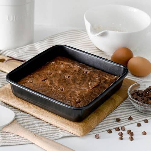 ProCook Non-Stick Loose Bottom Brownie Tin 20cm / 8in