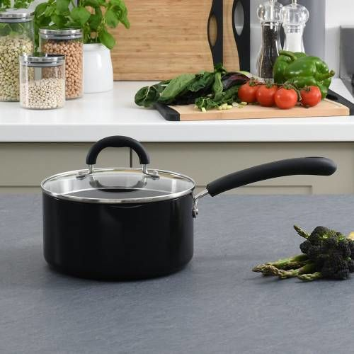 Gourmet Non-Stick Saucepan & Lid 20cm / 3.1L
