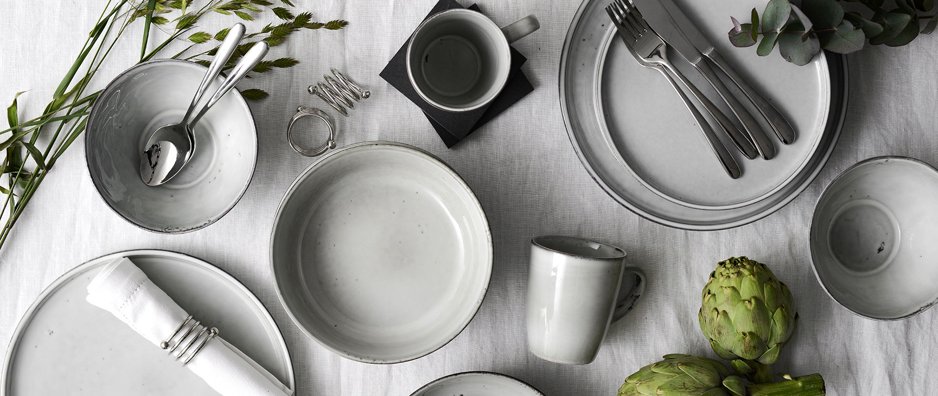Oslo Stoneware Set on dinning table